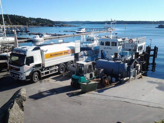 oljebil på havna